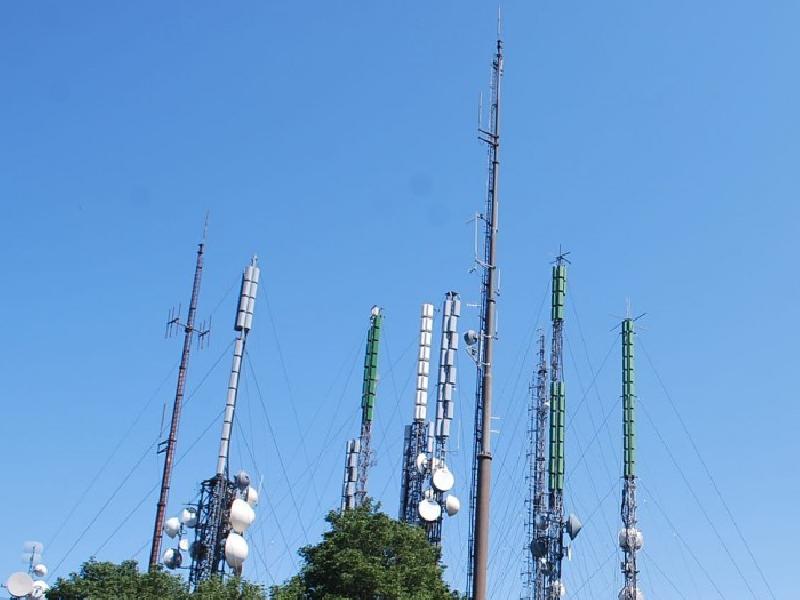 https://www.lacicala.org/immagini_news/01-06-2019/il-comune-di-rocca-di-papa-contro-le-antenne-di-monte-cavo-wind-abbatte-600.png