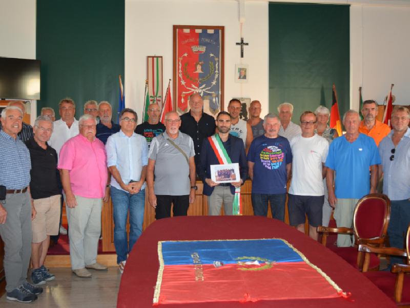 https://www.lacicala.org/immagini_news/10-04-2020/il-sindaco-riceve-delegazione-volontari-cimitero-tedesco-600.png