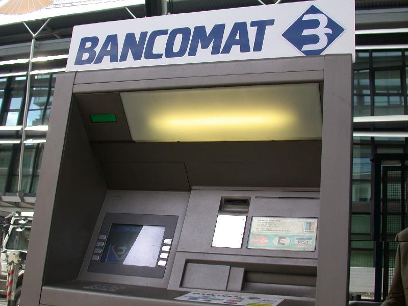 https://www.lacicala.org/immagini_news/10-06-2019/genzano-furto-nella-notte-al-conad-in-via-appia-600.jpg