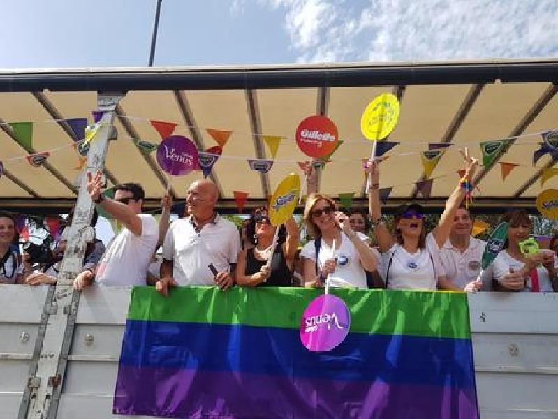 https://www.lacicala.org/immagini_news/10-06-2019/roma-pride-ieri-la-sfilata-presente-anche-pg-600.jpg