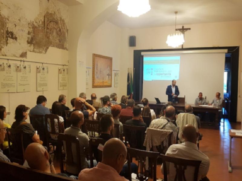 https://www.lacicala.org/immagini_news/18-09-2019/gal-terre-di-pregio-e-il-successo-della-conferenza-sulle-opportunita-per-le-imprese-600.jpg