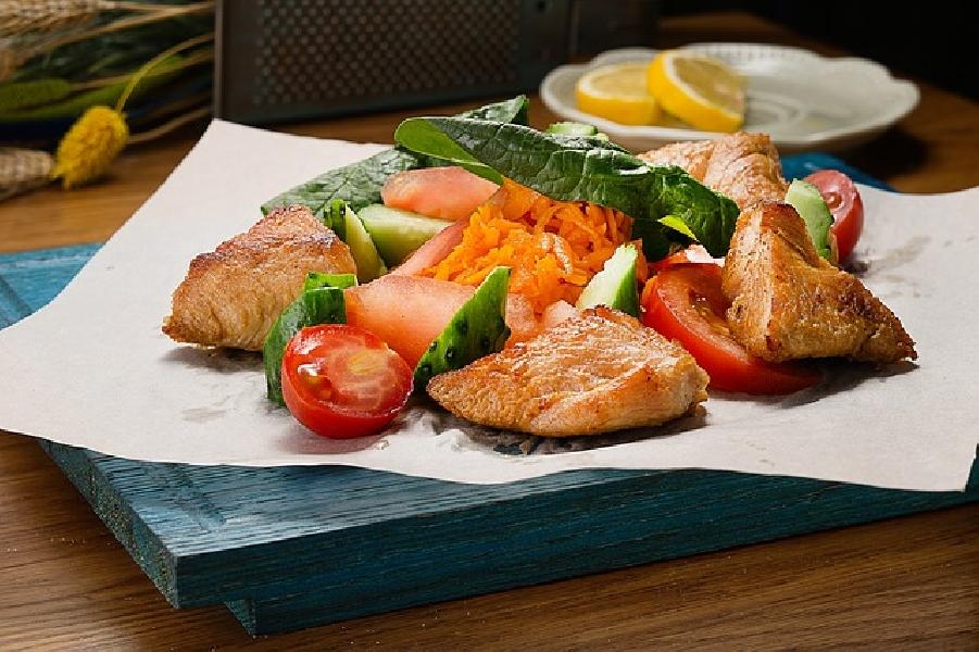 https://www.lacicala.org/immagini_news/19-06-2019/dieta-verdure-e-pollo-dimagrire-prevenendo-il-diabete-600.jpg