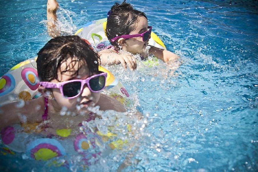 https://www.lacicala.org/immagini_news/19-06-2019/fotografava-bambini-negli-spogliatoi-della-piscina-arrestato-30enne-a-tivoli-600.jpg