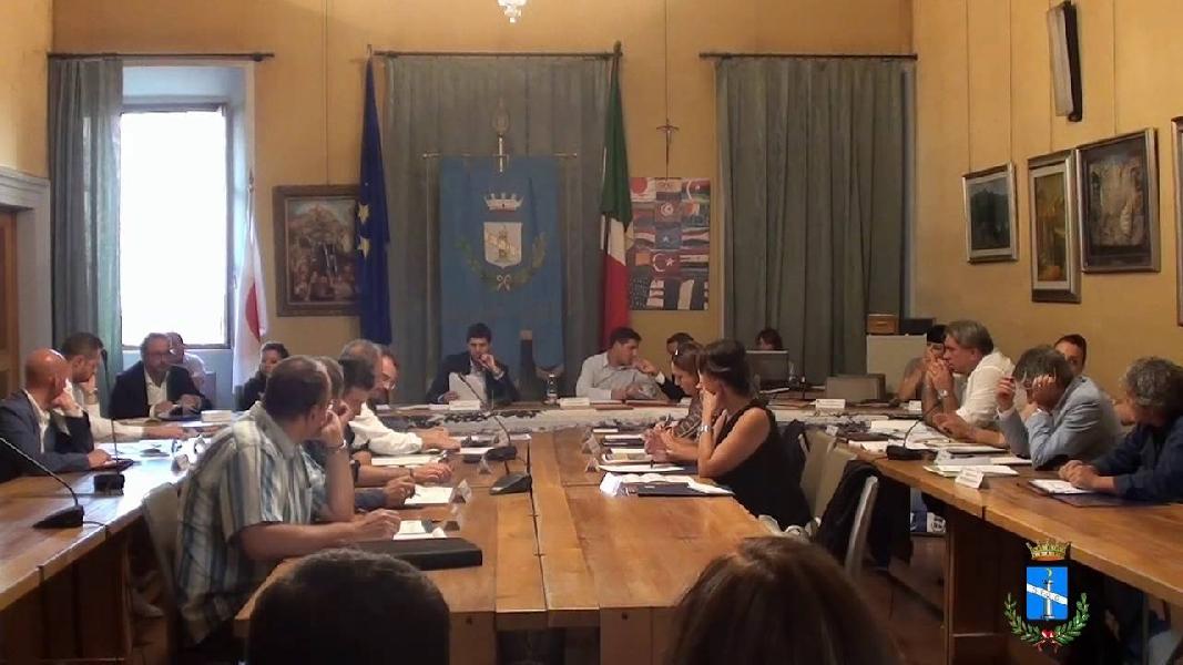 https://www.lacicala.org/immagini_news/21-05-2019/finita-genzano-cade-giunta-penta-stellata-600.jpg