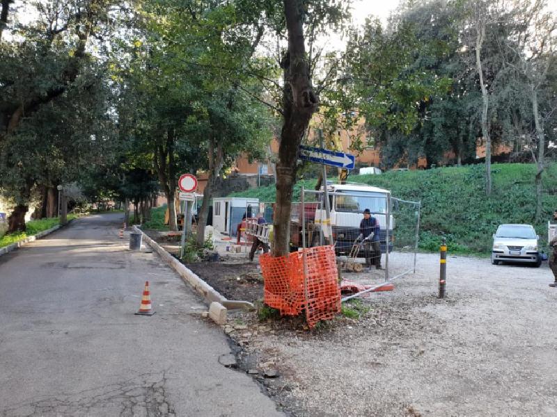 https://www.lacicala.org/immagini_news/21-05-2019/frascati-sono-corso-lavori-sistemazione-parcheggio-villa-sciarra-600.png
