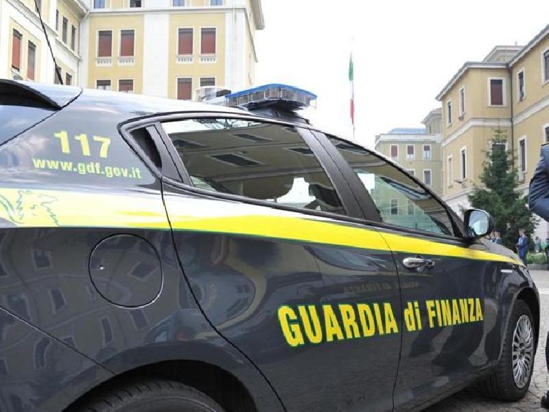 https://www.lacicala.org/immagini_news/21-05-2019/frode-fiscale-scoperta-castelli-romani-ingente-evasione-vendita-line-pneumatici-600.png