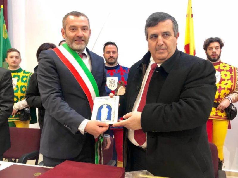 https://www.lacicala.org/immagini_news/21-05-2019/gemellaggio-cori-betlemme-firmata-dichiarazione-intenti-600.png