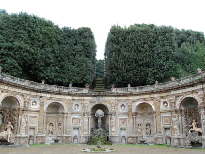 https://www.lacicala.org/immagini_news/21-05-2019/giornata-dimore-storiche-lazio-visite-guidate-sketch-teatrali-ville-frascati-600.png
