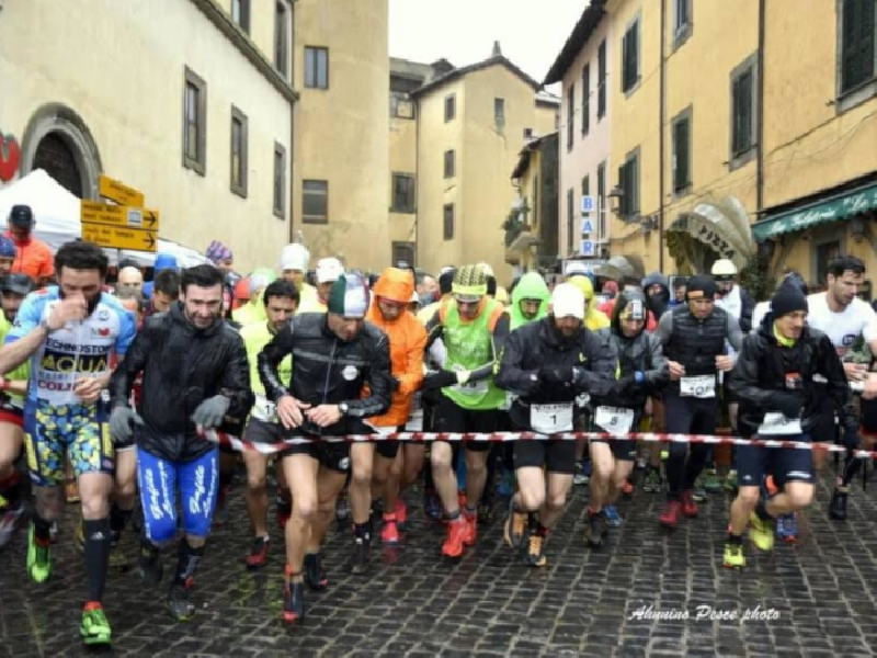 https://www.lacicala.org/immagini_news/21-05-2019/nemi-trail-bosco-sacro-edizione-marzo-organizzato-citta-castelli-romani-600.png