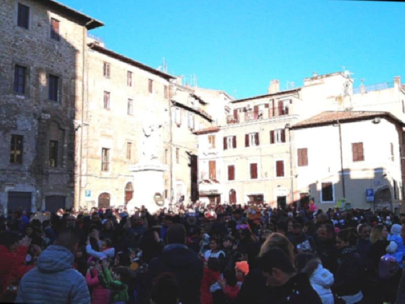 https://www.lacicala.org/immagini_news/21-05-2019/palestrina-arrivano-carri-allegorici-carnevale-prenestino-600.png