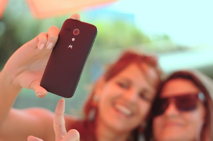 https://www.lacicala.org/immagini_news/21-06-2019/cade-da-un-monumento-mentre-faceva-un-selfie-estremo-grave-giovane-turista-600.jpg