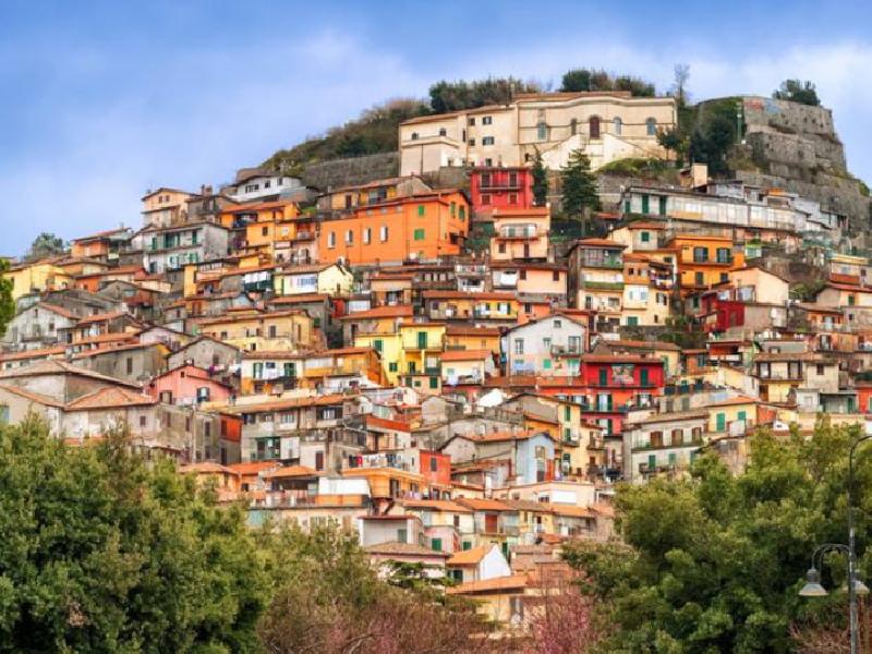 https://www.lacicala.org/immagini_news/21-07-2019/rocca-di-papa-il-vicesindaco-cimino-le-famiglie-sfollate-saranno-ospitate-nella-propria-comunita-600.png