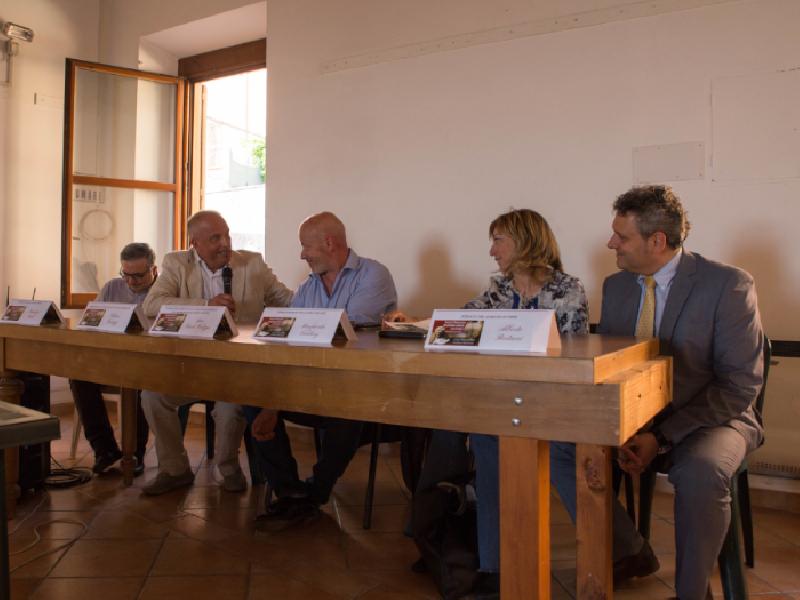 https://www.lacicala.org/immagini_news/23-06-2019/il-gal-per-la-valorizzazione-della-valle-del-lago-di-nemi-600.png